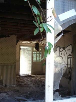 Front Room (42cm x 29cm)